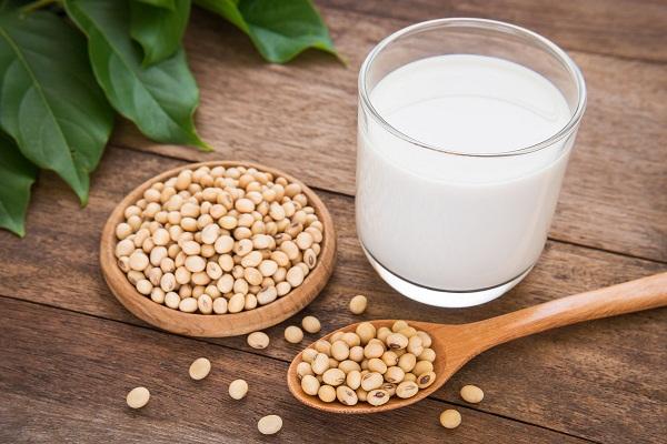 Bầu con trai có được uống sữa đậu nành không ? Sữa đậu nànhFami không làm ảnh hưởng đến giới của thai nhỉ