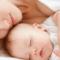 Sau sinh 1 tháng dùng kem dưỡng da được không, lý do tại sao?