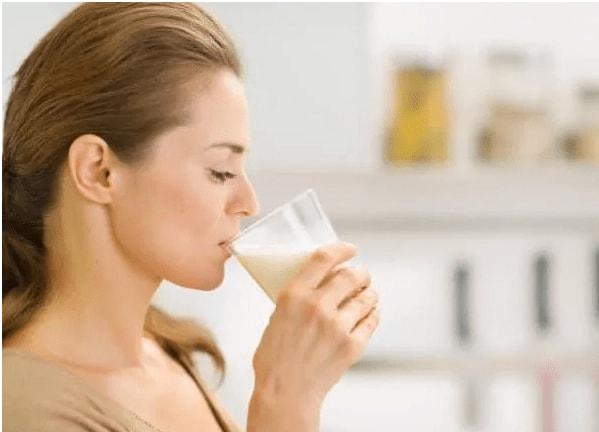 Sữa tươi giúp bổ sung dưỡng chất cho cơ thể