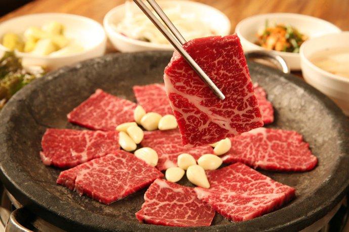 Phụ nữ sau sinh ăn thịt bò rất tốt cho cơ thể, không gây mất sữa