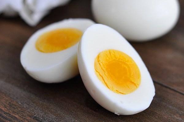 Ăn trứng vịt sau sinh cần lưu ý một số điều