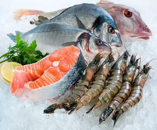Sau sinh mổ bao lâu thì được ăn cá ?