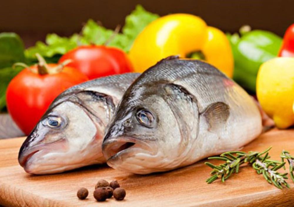 Sau sinh mổ bao lâu thì được ăn cá ? Mẹ có thể ăn cá từ tháng thứ 2