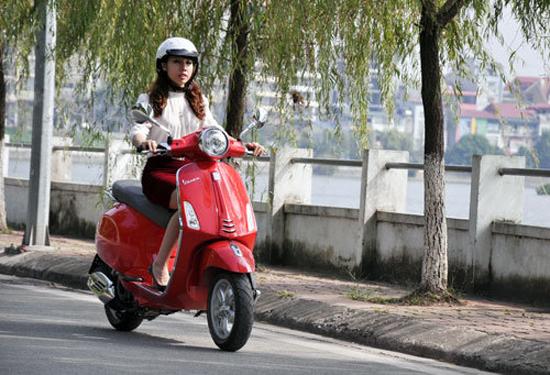 Sau sinh 1 tháng có nên đi xe máy ? Bạn nên chờ khi cơ thể đã bình phục hoàn toàn