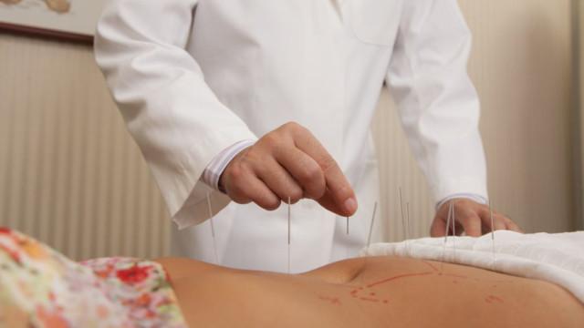 Phương pháp chữa tắc tia sữa bằng châm cứu rất hiệu quả và an toàn