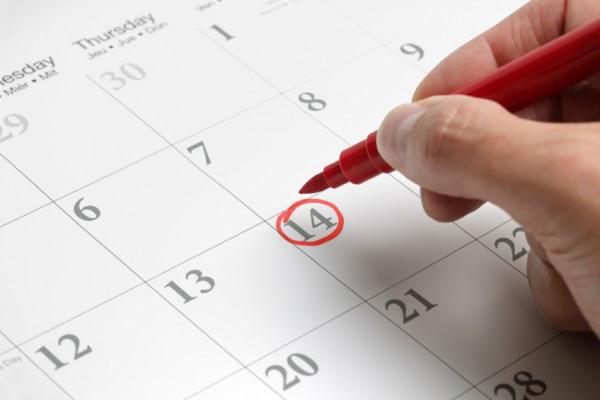 ngày an toàn để quan hệ là 10 ngày trước khi hành kinh.