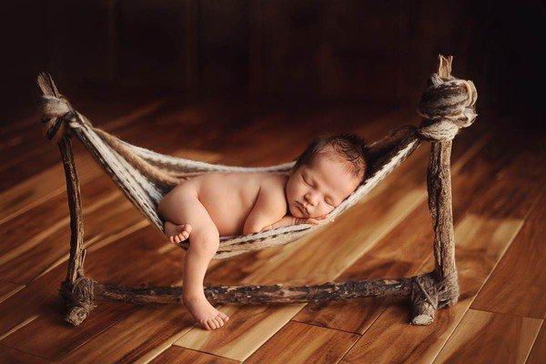 Trẻ sơ sinh nằm võng có nguy cơ gây ức chế thần kinh