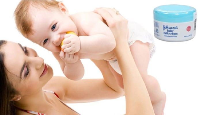 Kem Johnson Baby nắp xanh có tác dụng gì? Sử dụng ra sao? 3