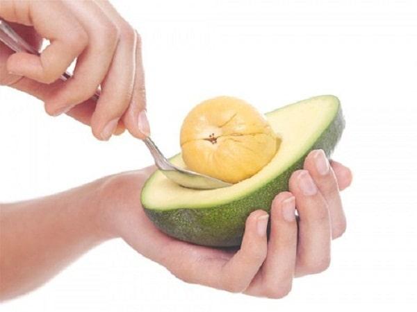 Ăn bơ đúng cáchgiúp mẹ hấp thu dưỡngchất tốt hơn